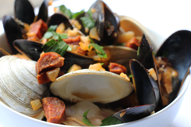 Mussels-and-clams-with-chorizo